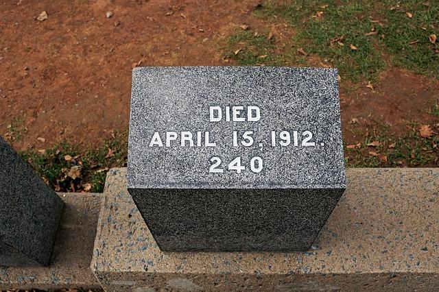 pomník na hřbitově