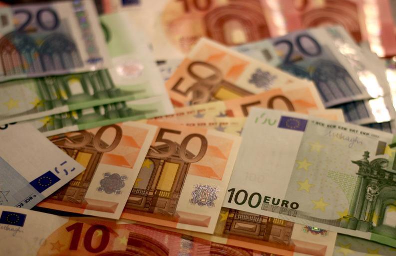 rozprostřená eura