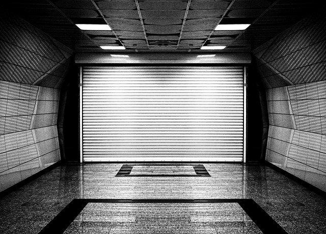 běžná garážová vrata