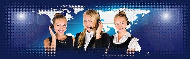 mezi služby patří i telefonní operátoři