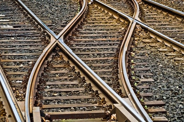 výhybky na kolejích